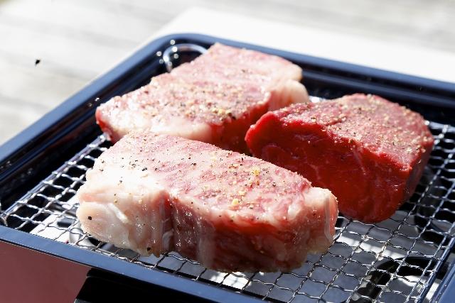 バーベキューブロック肉