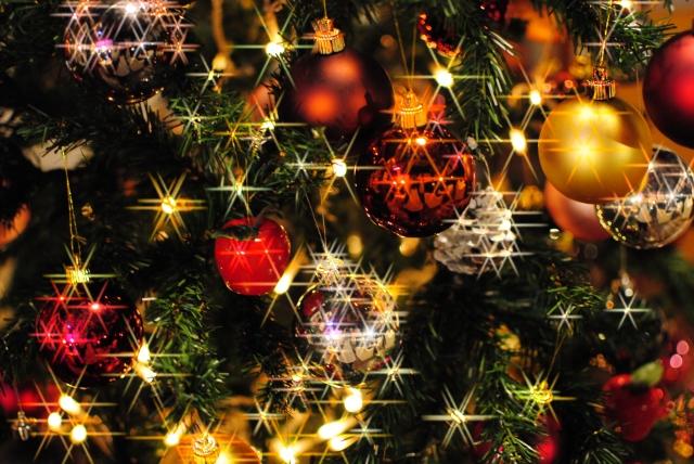 クリスマスいつ祝う